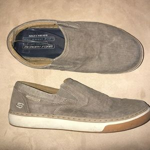 Sketchers men's canvas loafers.